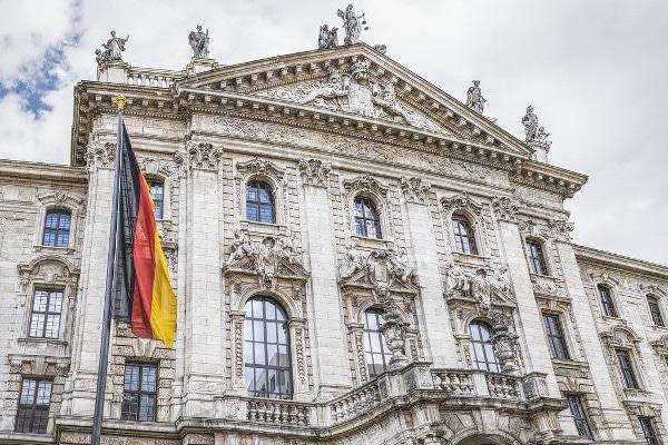 Internationale Anwaltskanzlei für Steuerstrafrecht in München und Mailand